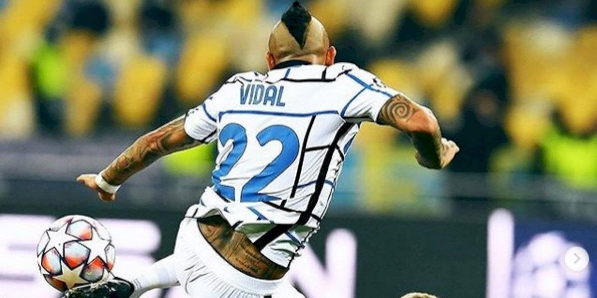 """Vidal divide a la prensa italiana: """"Duele verle tan pocas veces en el área"""""""