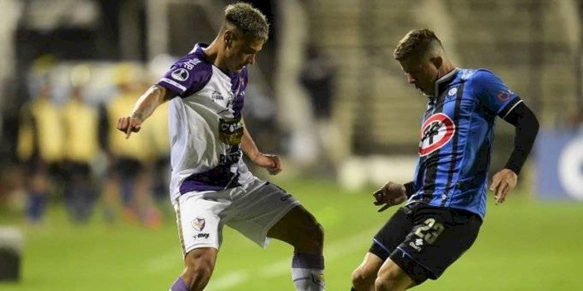 Huachipato tuvo un duro revés ante Fenix pero trajo un gol de esperanza para renacer en la Copa Sudamericana