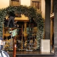 Desmantelan boda de Ninel Conde y Larry Ramos en la Casa de la Bola