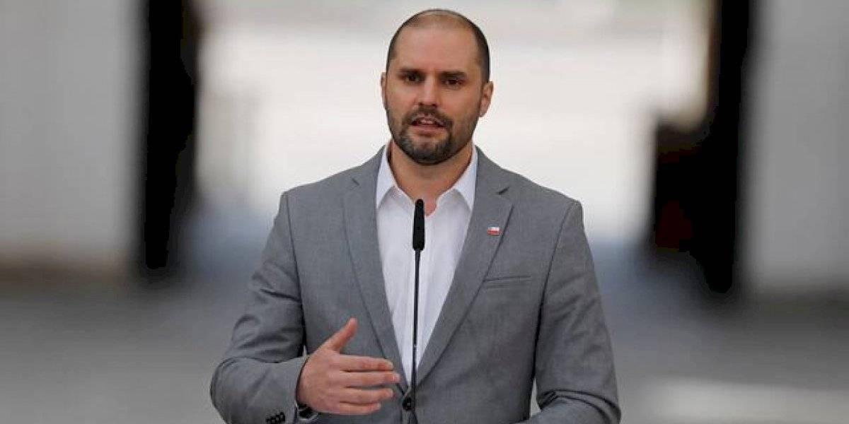"""Bellolio califica como """"maniobra para sacar más likes en Twitter"""" el proyecto de tercer retiro del 10%"""