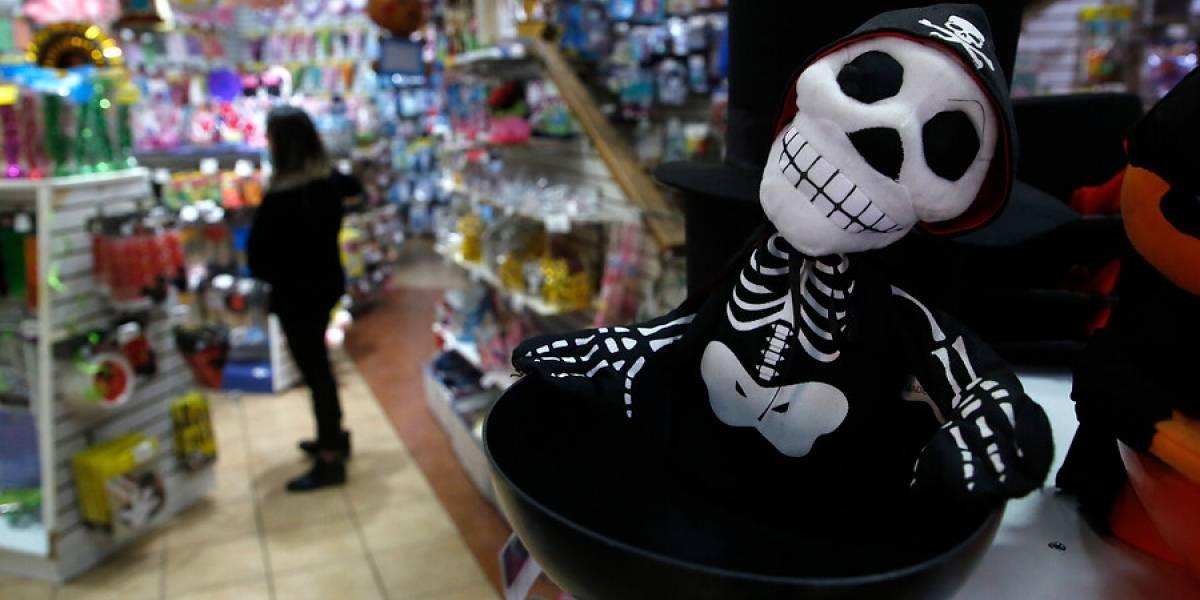 El llamado de la Intendencia: comunas en cuarentena no podrán celebrar Halloween este fin de semana