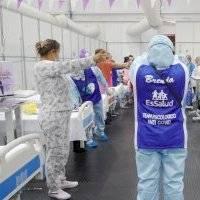 Psicólogos bailan, cantan y juegan con pacientes internados con Covid-19 para levantarles el ánimo