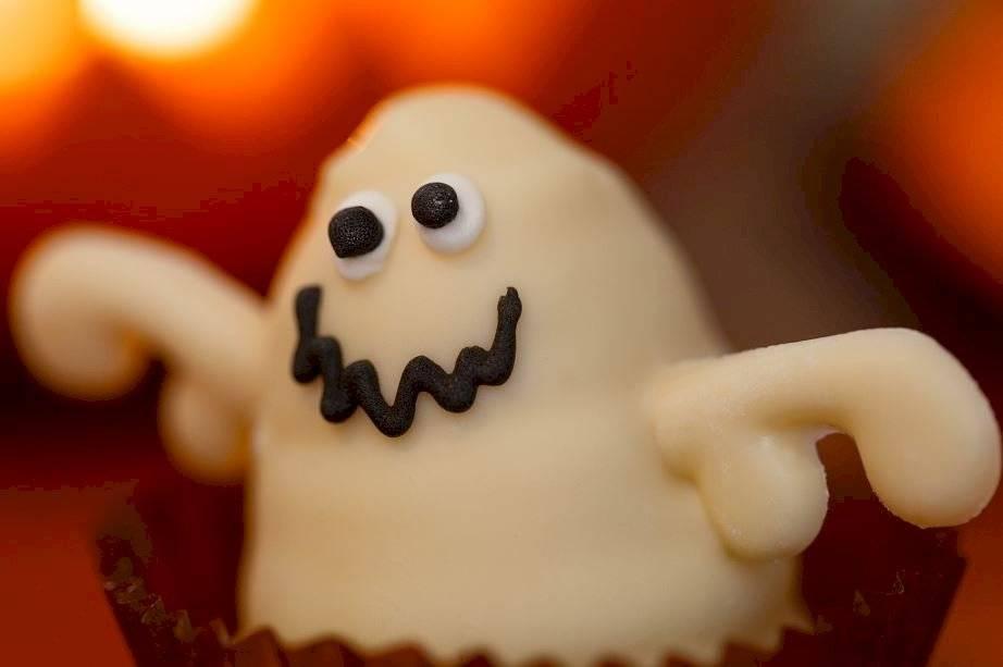 Los niños pueden elaborar recetas dulces y muy saludables, como galletas de avena, cocadas o brownies.