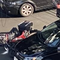 Motociclista es embestido por automovilista  en la Nápoles