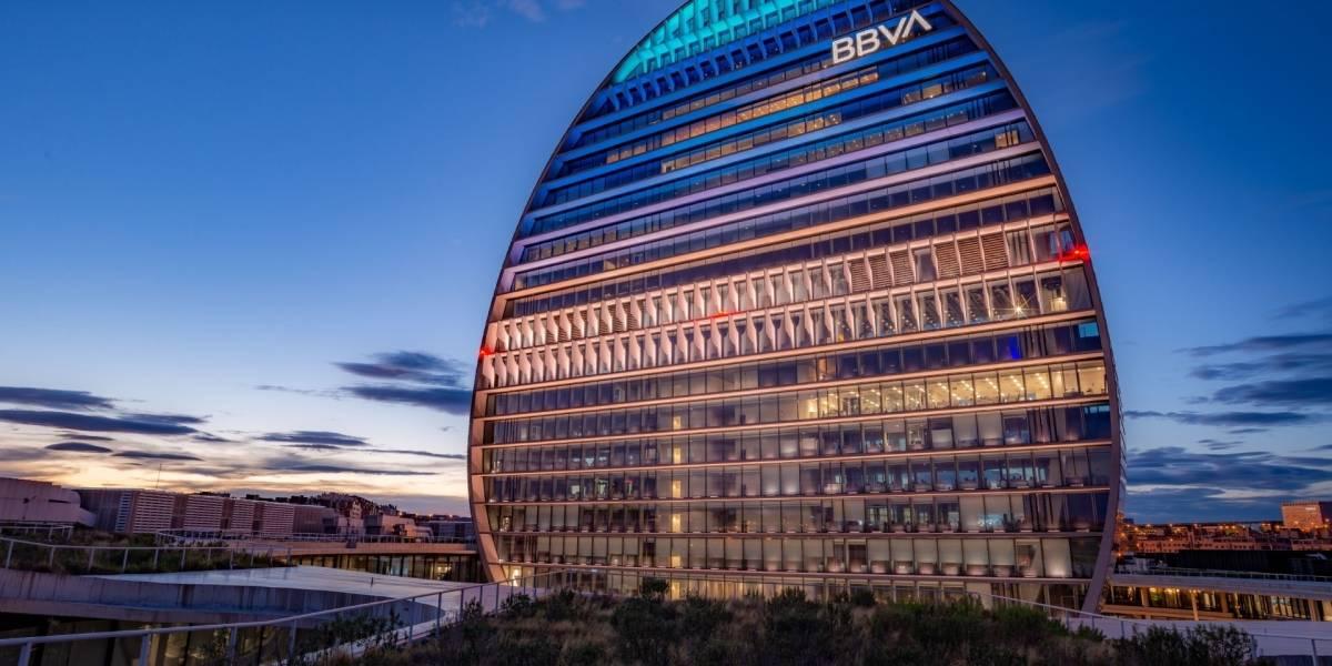 Economía.- BBVA logra su mejor trimestre del año (1.141 millones) y reduce pérdidas a 15 millones hasta septiembre