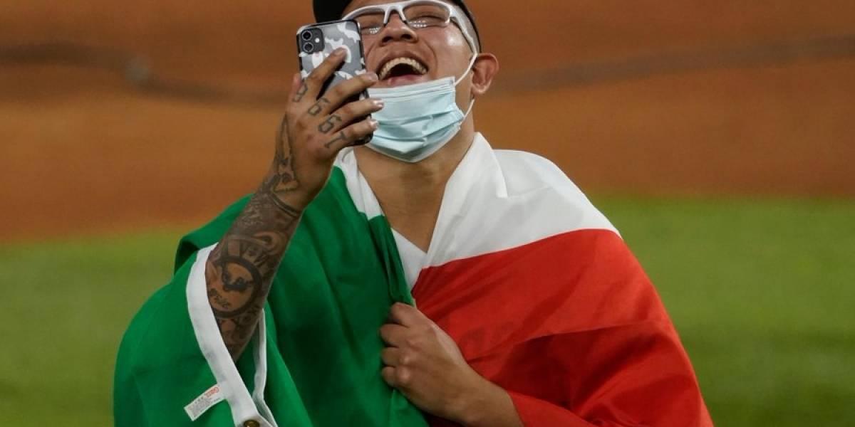 Así recibieron a Julio Urías tras ganar la Serie Mundial