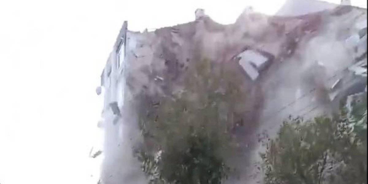 ¡Impactante! Captan momento exacto derrumbe de un edificio en Turquía