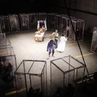 El teatro vuelve a Sao Paulo con cabinas de plástico para sus espectadores