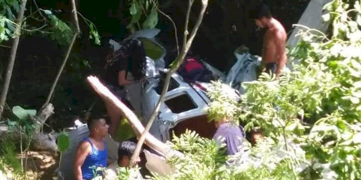 Desplome de avioneta en Puerto Escondido deja 6 heridos