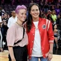 Megan Rapinoe anuncia su compromiso con la basquetbolista Sue Bird