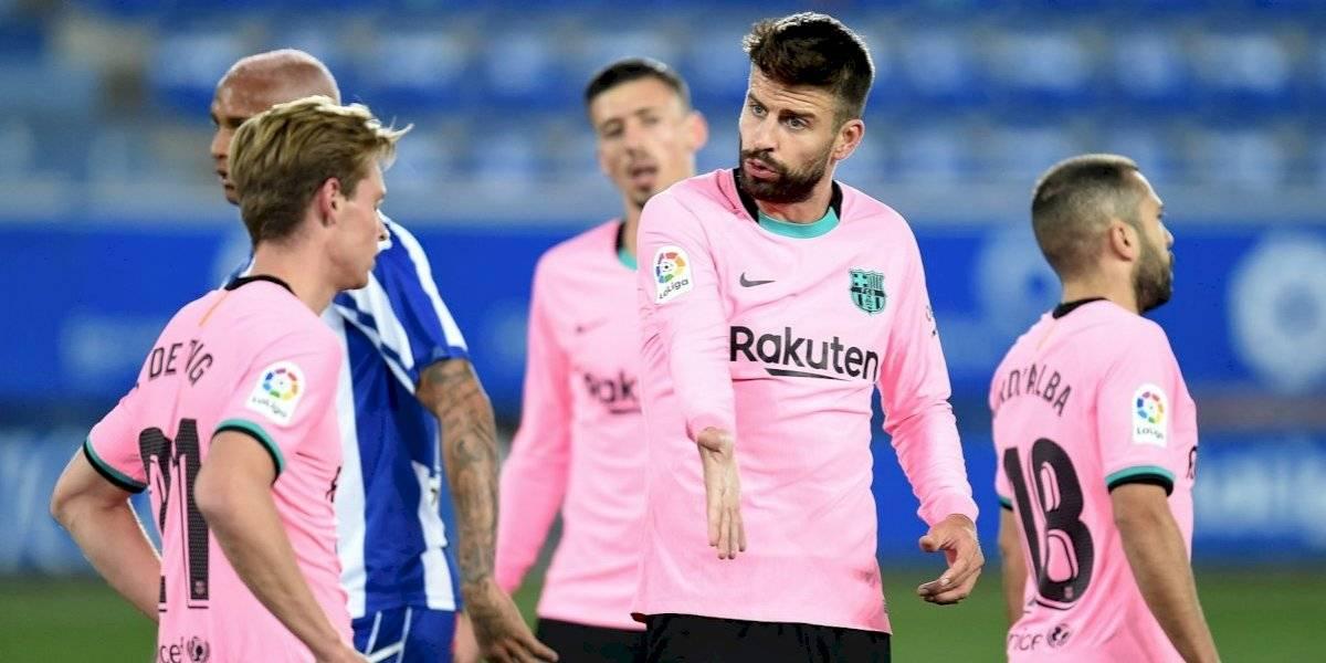 VIDEO: Piqué y Neto cometen grosero error en gol del Alavés