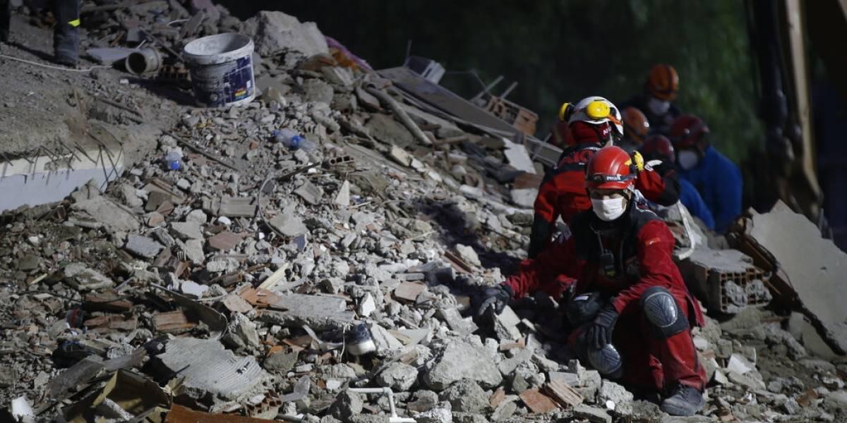"""""""Nunca perdí la esperanza"""": rescatan a hombre de 70 años bajo los escombros tras terremoto en Turquía"""