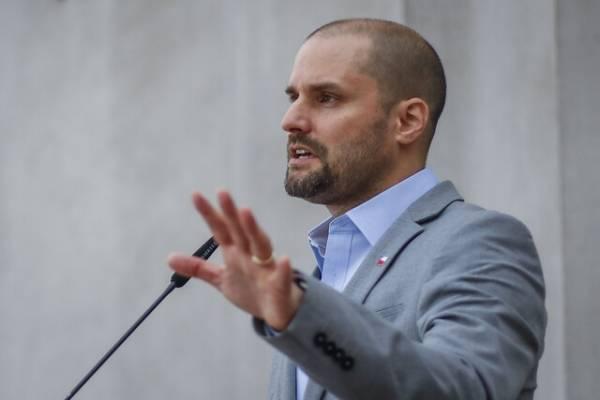 """Ministro Bellolio explica dichos de Piñera por menores """"accidentados"""" en Talcahuano"""