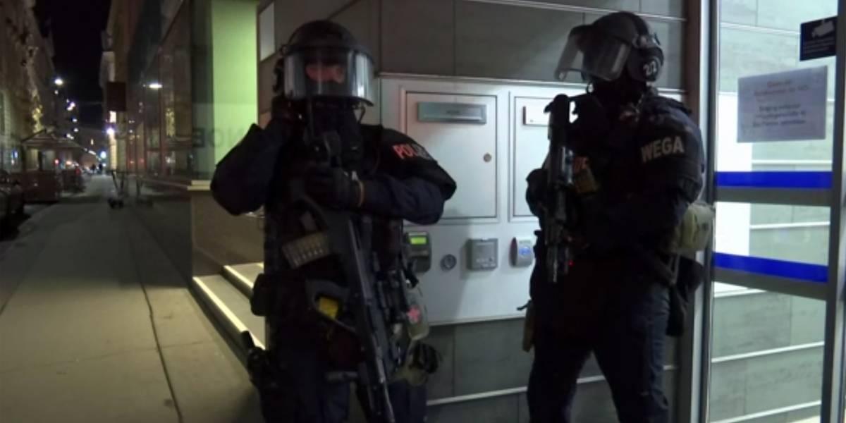 Varios heridos tras tiroteo cerca de sinagoga en Viena