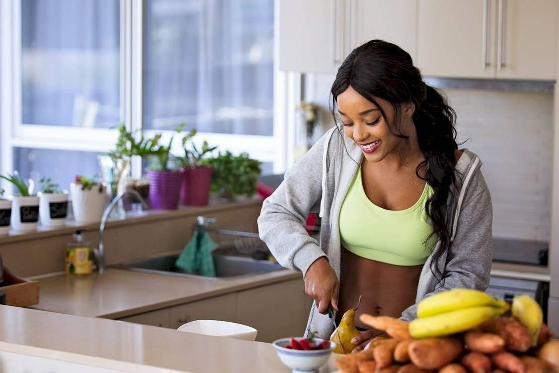 La alimentación es también un factor clave para vencer la celulitis.