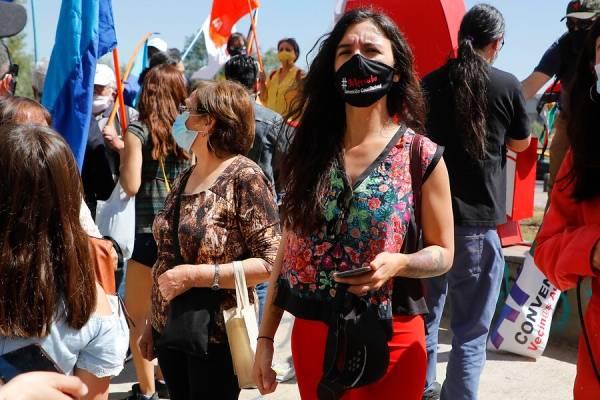 Camila Vallejo le desordena a la oposición el cuadro constituyente