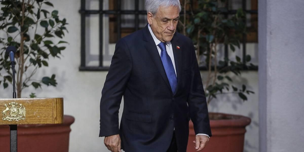 Presidente Piñera enfrentará querella por no usar mascarilla pese a disculpas públicas