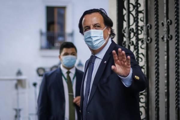 Lo acusaron y se fue: así fue la jornada del ex Ministro Pérez, quien presentó su renuncia al Presidente
