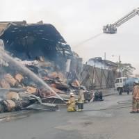 Incendio en fábrica de cartón en Durán ya fue controlado