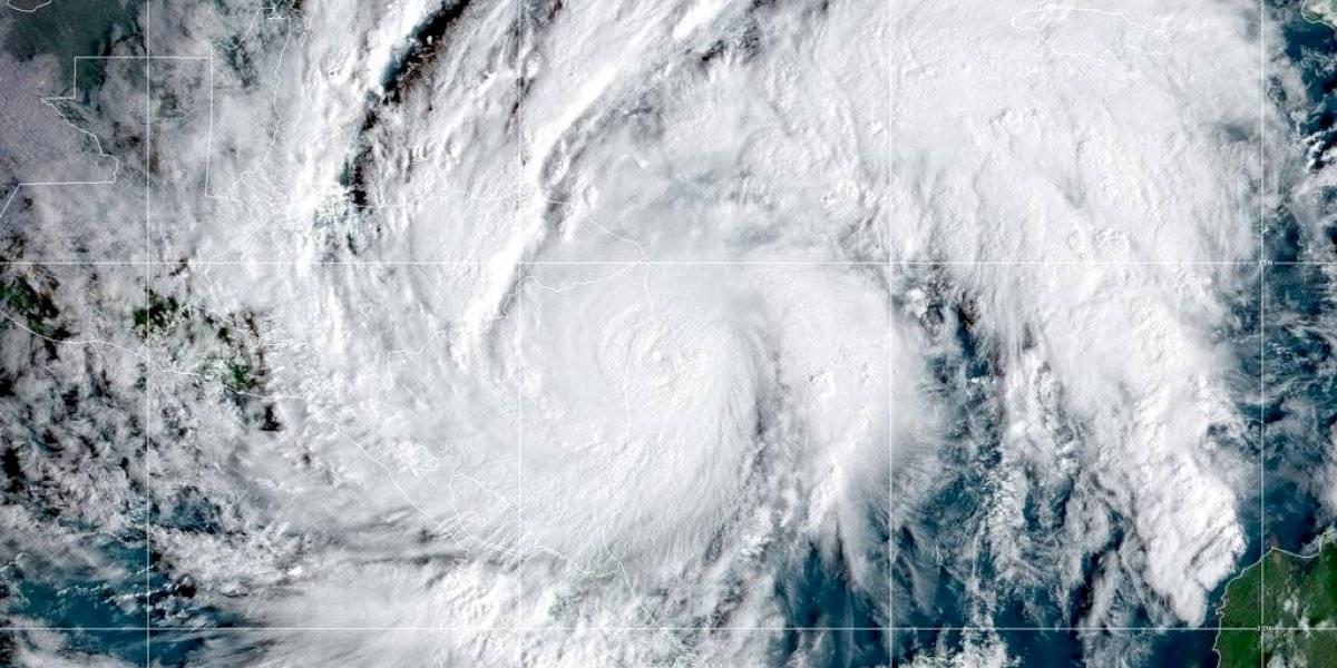Poderoso huracán Eta continúa azotando el litoral Caribe de Nicaragua