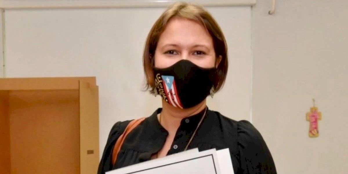 Voluntarios removerán rótulos de campaña de Eva Prados