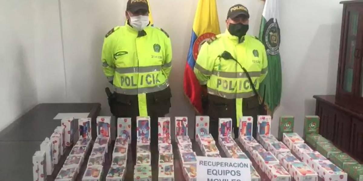 Hombre robó 65 celulares en Bogotá y pretendía sacarlos desde la terminal del Sur