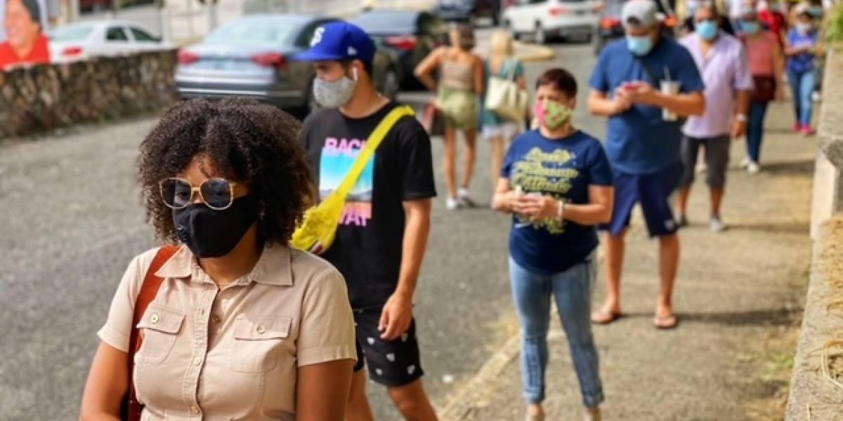 Persisten las filas a menos de una hora del cierre de colegios