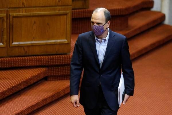 Gobierno ahora pide celeridad para aprobar proyecto de retiro que tiene impuesto para sueldos mayores de $700.000