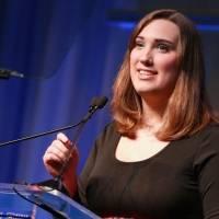 Quién es Sarah McBride, la primera senadora trans de Estados Unidos