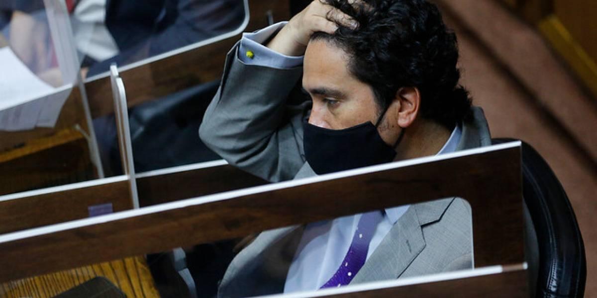 """Ministro Briones pidió datos y RUT de quienes retiraron el 10%: DC lo califica de """"muy grave e inaceptable"""" y avisan que irán al CPLT"""