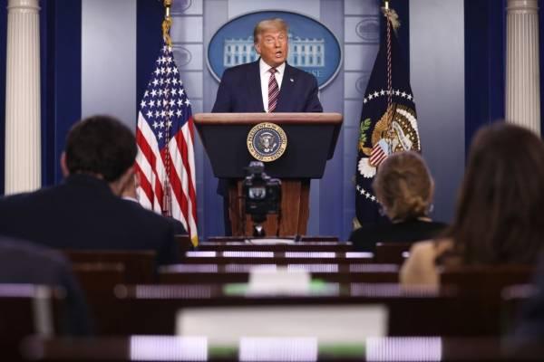 """Donald Trump sigue con sus acusaciones: """"Están cometiendo fraude y no puedo permitir que ocurra"""""""