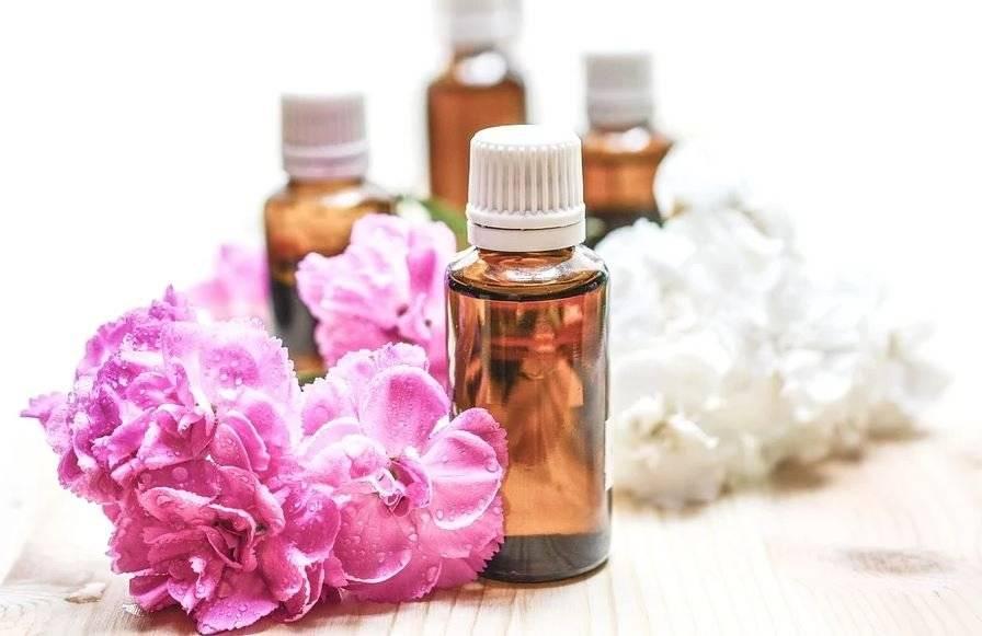 El aceite de rosa mosqueta contiene ácidos esenciales como el omega 6, omega 3 y linoléico.