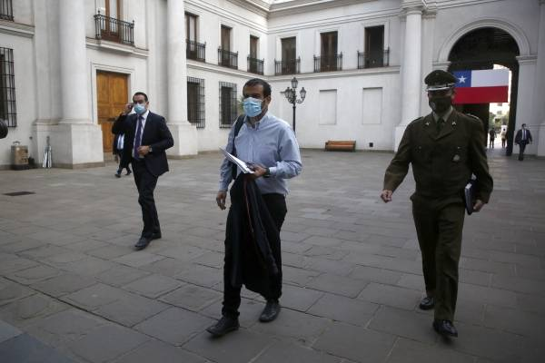 """Delgado se mete """"de cabeza"""" en la reforma a Carabineros"""