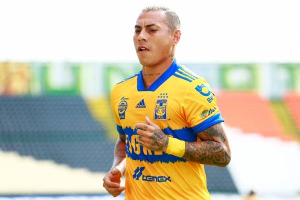 Su noveno club: Eduardo Vargas se reencontrará con Jorge Sampaoli en Atlético Mineiro