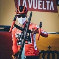 Vuelta a España: así puedes participar por el maillot rojo autografiado