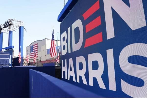 Ningún espíritu democrático: robó un bulldozer para destruir carteles de la campaña del presidente Biden