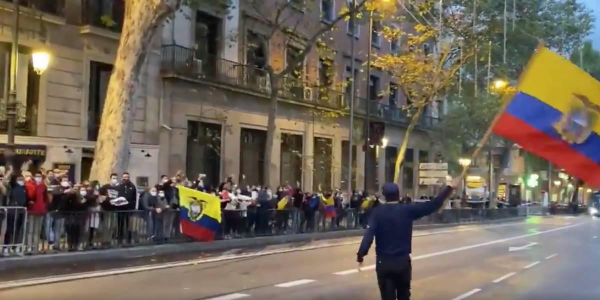 El emocionante festejo de Richard Carapaz con sus compatriotas en Madrid