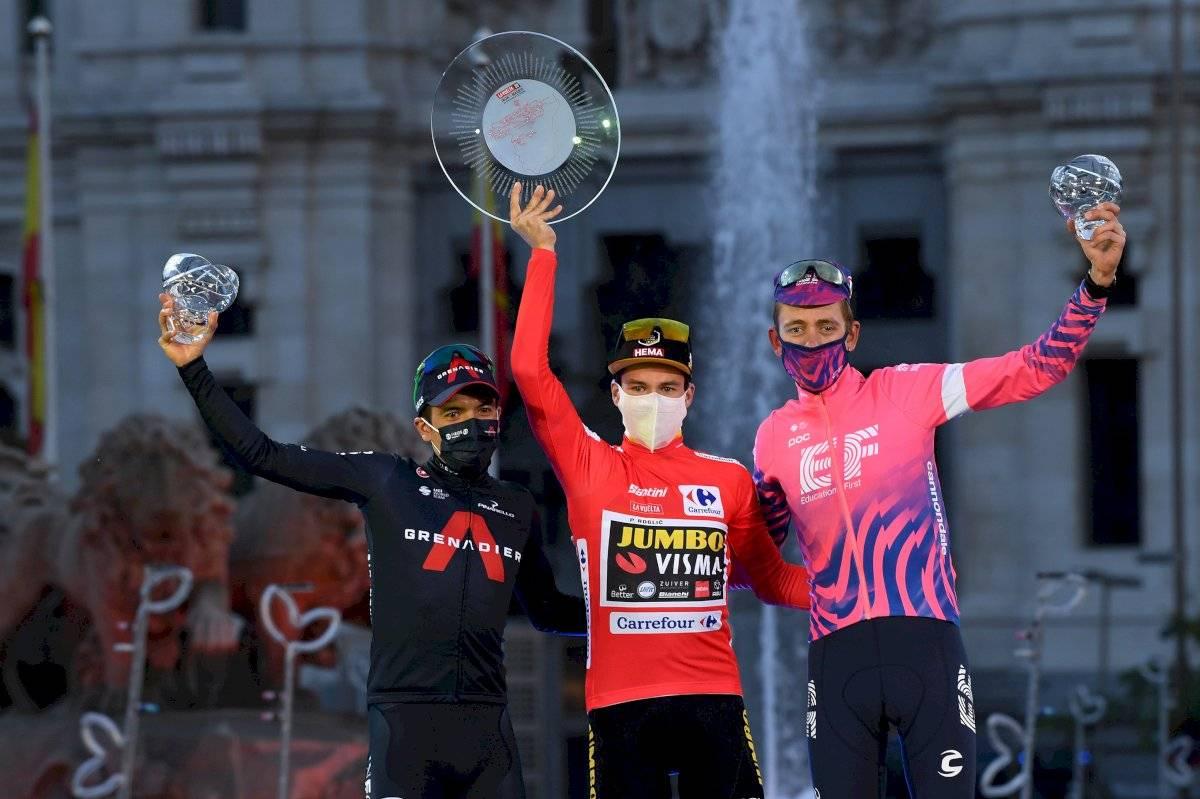 Richard Carapaz en el podio de la Vuelta