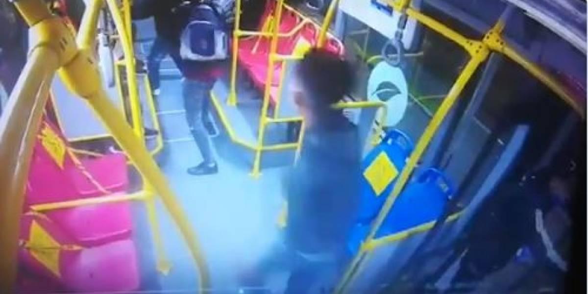 Así delinquían policías que formaban parte de banda dedicada a robar en TransMilenio