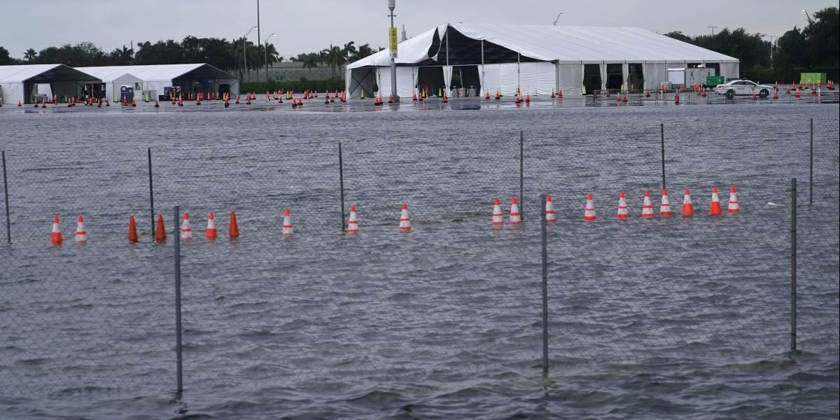 Tormenta Eta daña estadio en Florida usado para pruebas de COVID-19