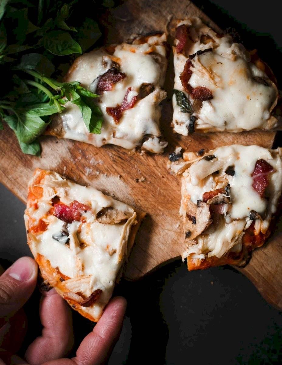 La pizza de coliflor es una excelente opción para la cena.