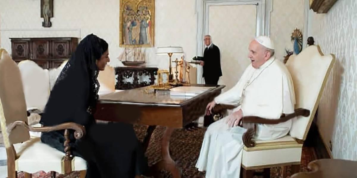 El regalo que la vicepresidenta de Ecuador entregó al Papa Francisco en su vista al Vaticano