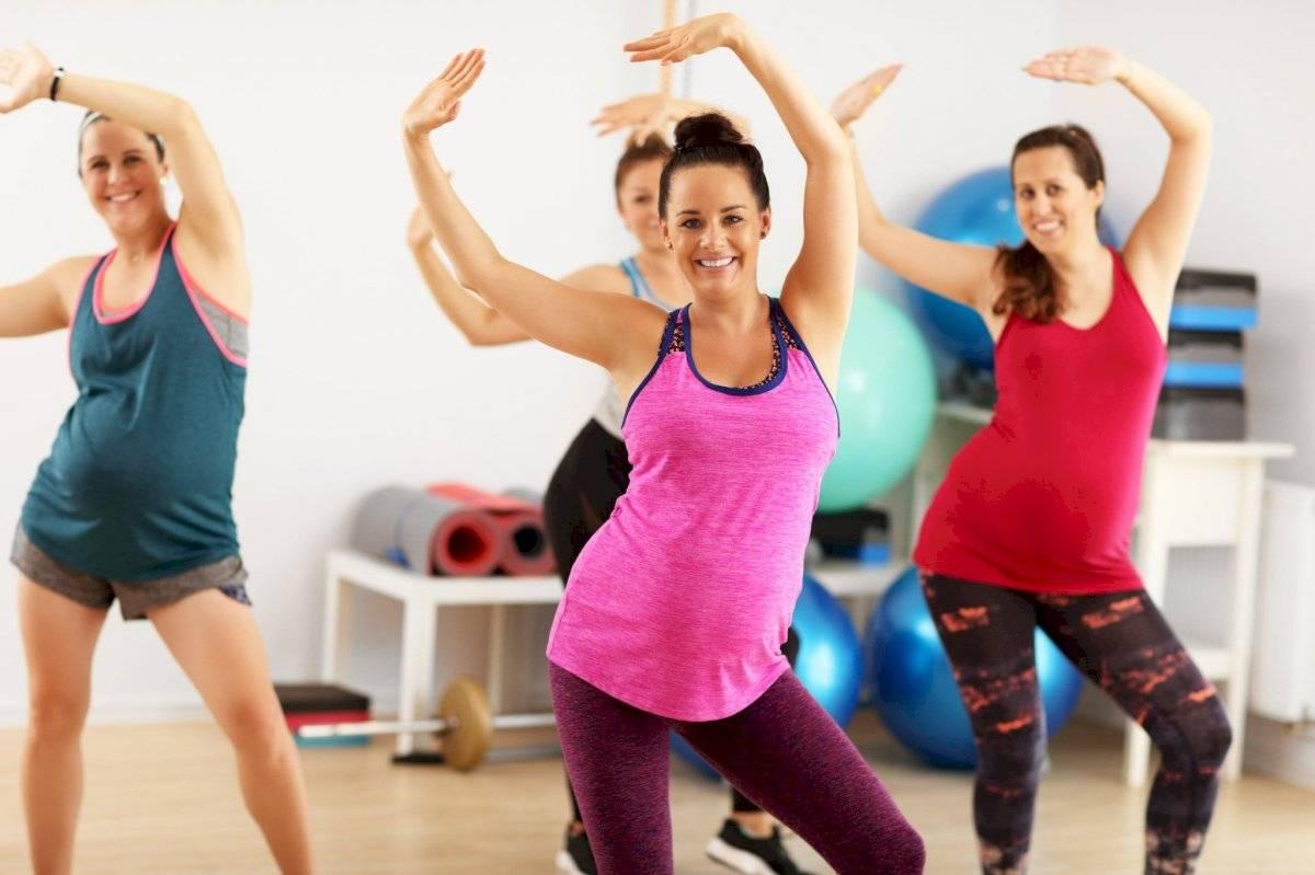 Bailar es un ejercicio divertido que también te ayuda a quemar grasa.