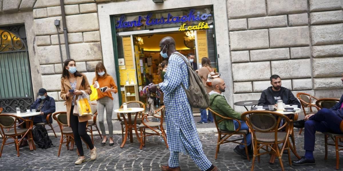 Como el principio: médicos italianos piden cierre total del país
