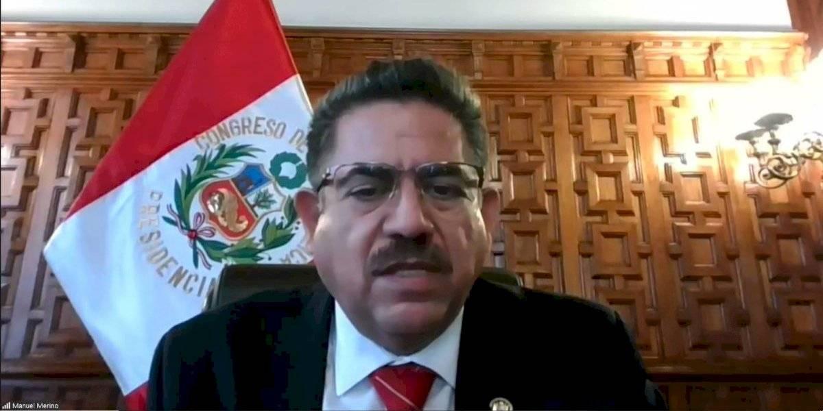 Renuncia Manuel Merino como presidente de Perú