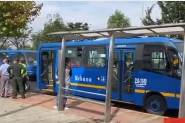 Pasajeros de bus Sitp fueron víctimas de cuatro ladrones en el norte de Bogotá
