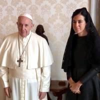 Canciller de Ecuador se pronuncia sobre la visita de la vicepresidenta al Vaticano con su familia