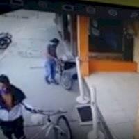 Ciclista atropellado en Santa Elena con pronóstico reservado; Médicos intentan salvarle sus piernas