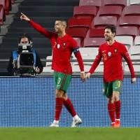 Cristiano Ronaldo anota su gol 102 con Portugal y se pone a siete del récord
