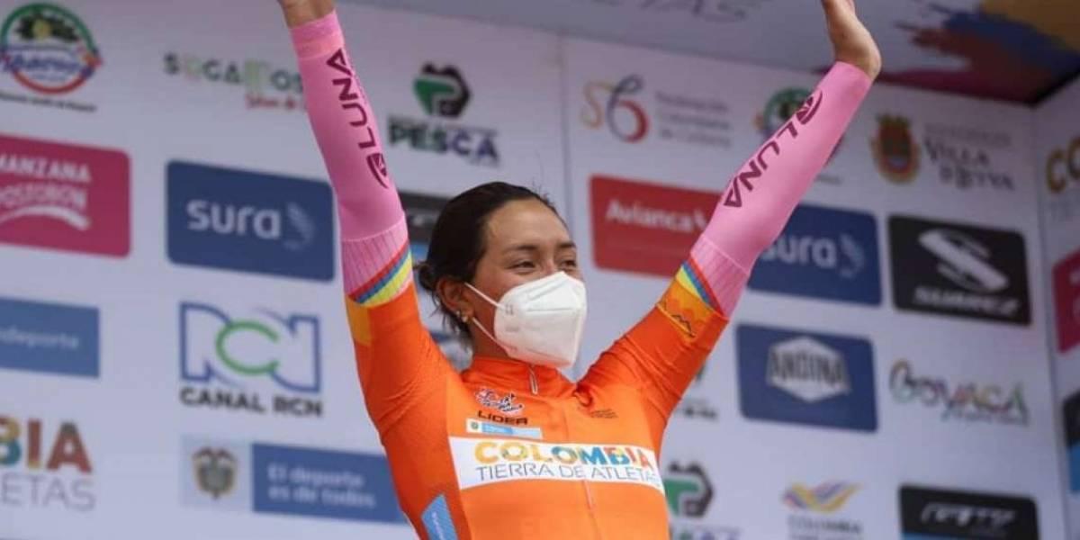 Myriam Núñez, campeona de la Vuelta a Colombia, fue recibida en Riobamba con una gran caravana